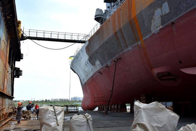 Наибольший военный корабль «Гетьтман Сагайдачный» ремонтируют наИльичевском судоремонтрому заводе