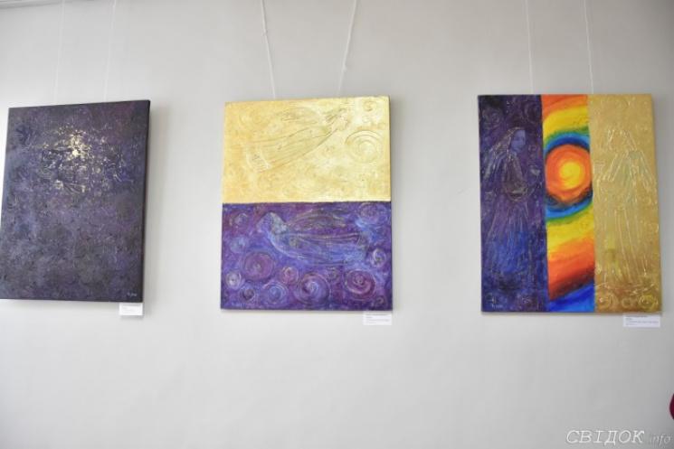 """""""Код життя"""": Як миколаївська художниця малює Всесвіт"""