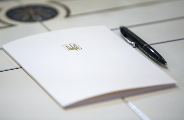 Порошенко посмертно нагородив двох АТОвців з Вінниччини