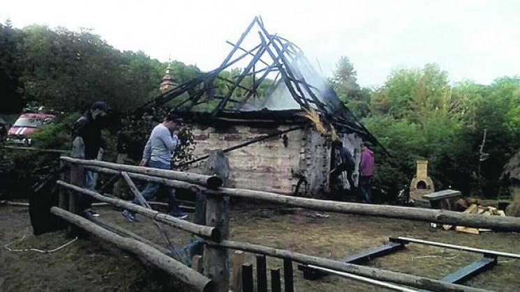 УКиєві натериторії музею «Пирогово» сталася пожежа