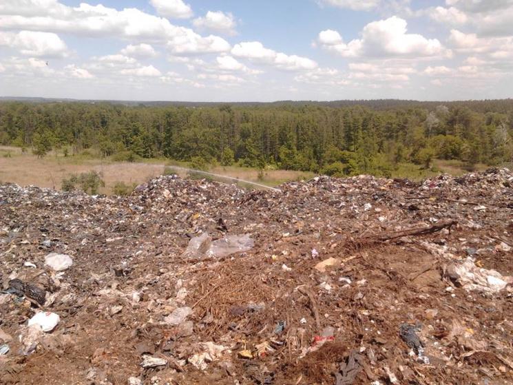 Знову горить сміттєзвалище уМакухівці