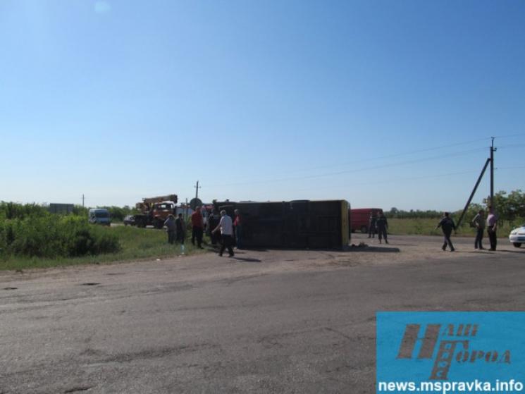 НаЗапоріжжі перекинувся автобус: постраждало 32 особи