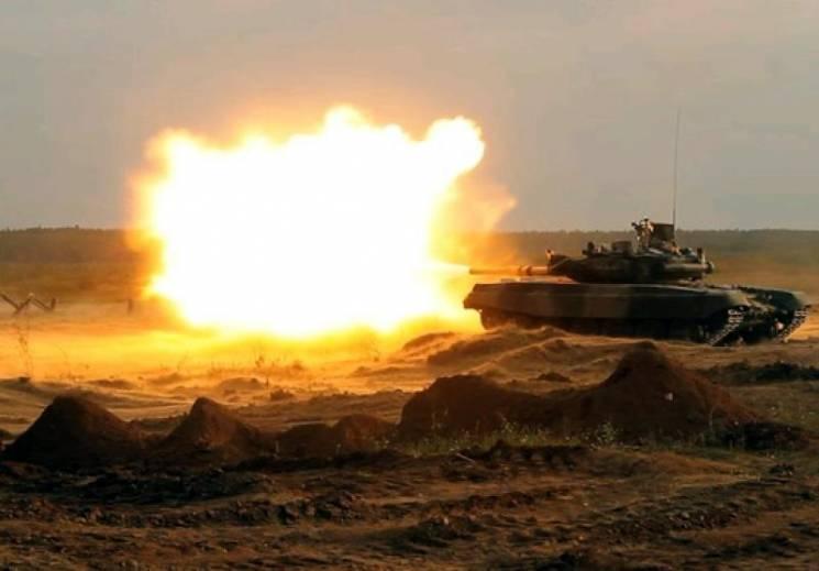 Вихідні на Донбасі. Засідка під Горлівкою і танки під Докучаєвськом (КАРТА)