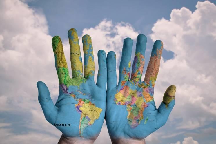 Від США до України: Як живуть сім'ї, що заробляють $700 на місяць (ФОТО)