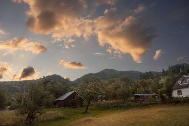 """Які """"намальовані"""" небограї можна побачити в одному з найцікавіших карпатських сіл (ФОТО)"""