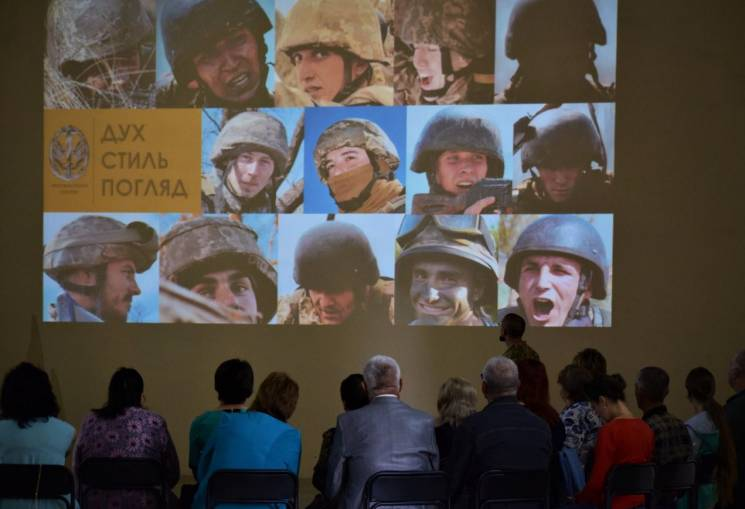 Морські піхотинці відвідали матерів загиблих побратимів