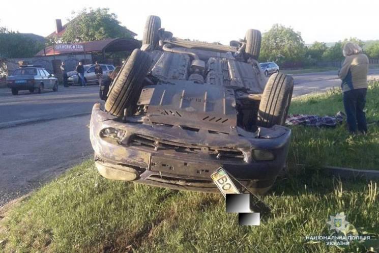 На Тернопільщині у ДТП загинув чоловік і важко травмувалися шестеро людей
