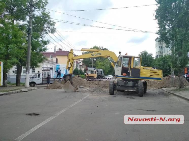 Працівники Миколаївської ТЕЦ перекрили вулицю Московську (ФОТО)