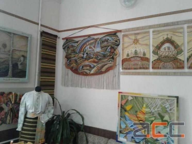 У Чернівцях відкрилася виставка вишиваних експонатів (ФОТО)