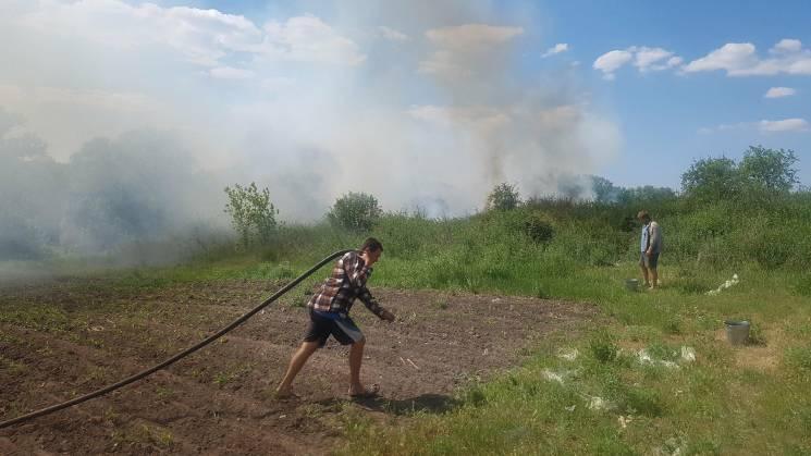 На Луганщині люди дивом врятували село в…