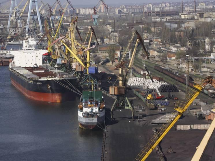 У Миколаєві замначальника порту викрили на зловживанні владою на півмільйона гривень
