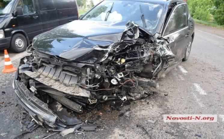 Під Миколаєвом голова суду на незадекларованому авто потрапив у потрійну аварію