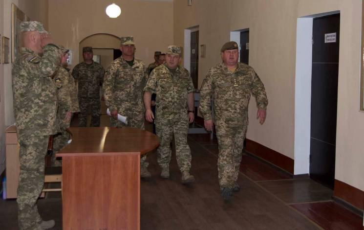 Командувач Сухопутних військ перевірив, як зберігають ракети та боєприпаси на Хмельниччині (ФОТО)