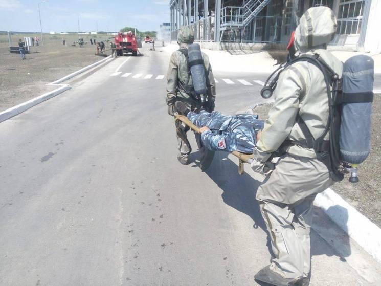 На Вінниччині рятувальники вчилися діяти в умовах витоку аміаку  (ФОТО)