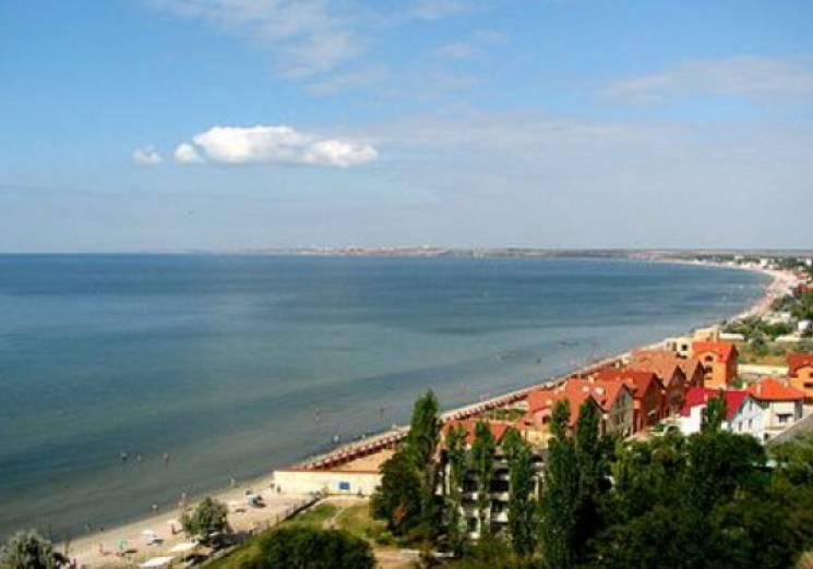 Миколаївці вже на повну насолоджуються морем (ФОТО)