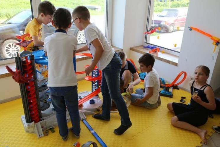 Як ужгородка та донеччанка створили дитячий клуб корисного дозвілля (ФОТО)