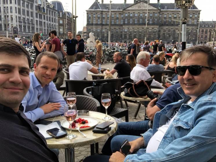 Фрустрація ображених: Навіщо у парламенті збирають підписи проти Порошенка