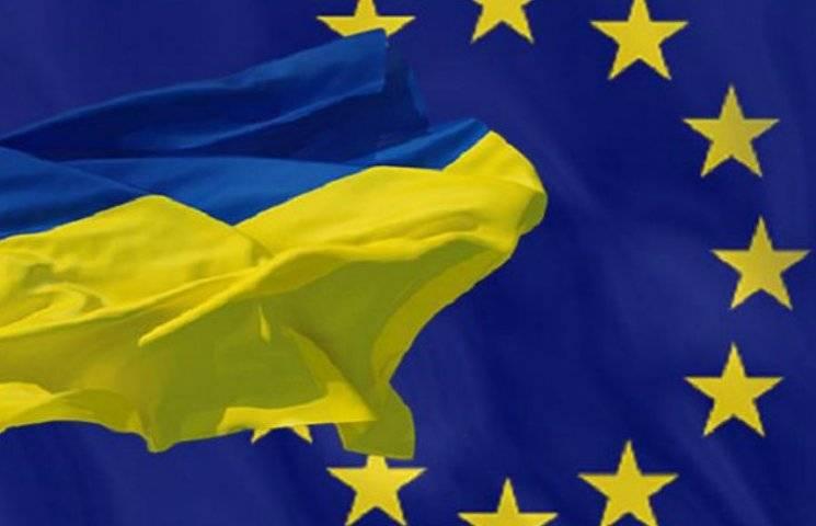 Фестиваль світла та велопробіг: Як у Києві святкуватимуть День Європи