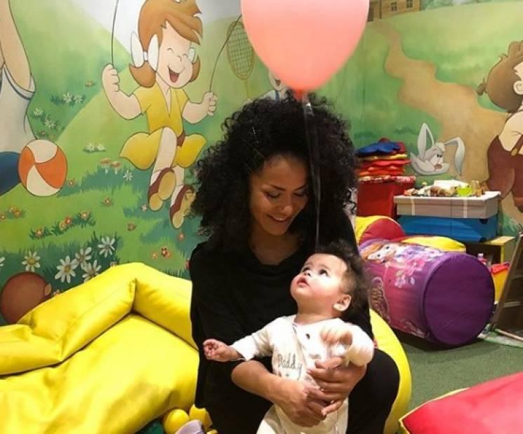 Гайтана показала прес після народження дочки (ФОТО)