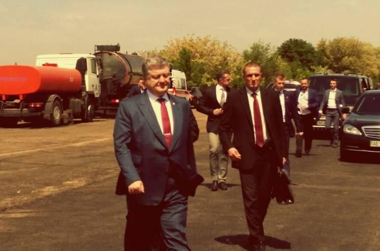 Порошенко у Дніпрі розповів про перспективи аеропорту Дніпра