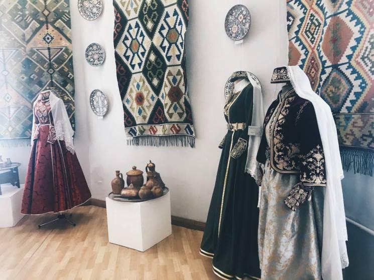 Антер, фес і марама: Чим кримські татари можуть відповісти на День вишиванки