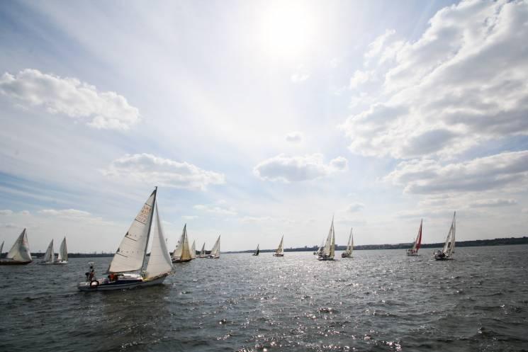Відкриття водного сезону, авто-флешмоб, три фестивалі: Як не згаяти вихідні у Запоріжжі