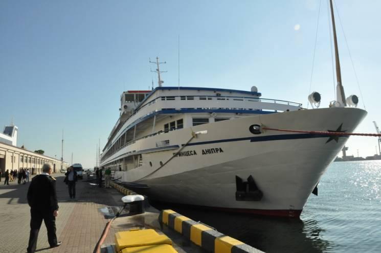 """""""Принцеса Дніпра"""" вперше у 2018 році зайшла у порт Одеси"""