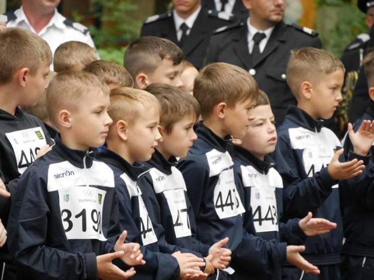 В Ужгороді близько півтисячі людей відзначили День олімпійського бігу (ФОТО)
