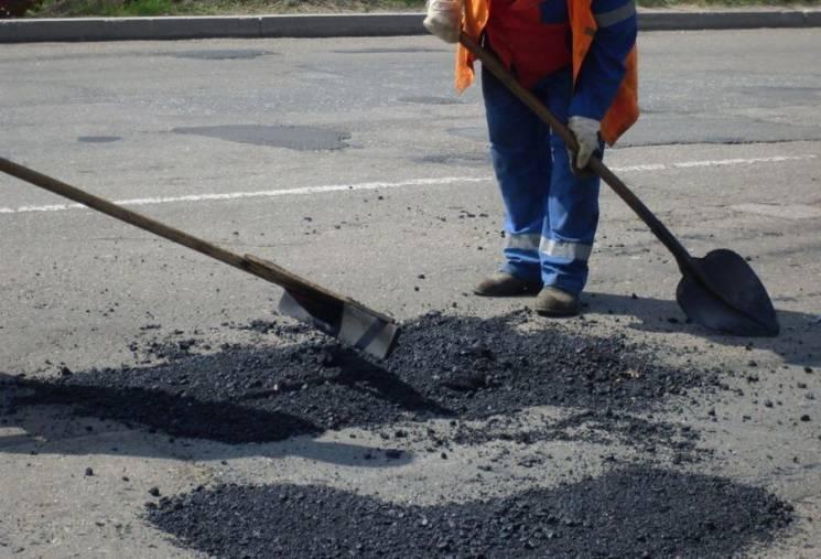Прокуратура відкрила кримінальне провадження через неякісний ремонт доріг в Ужгороді