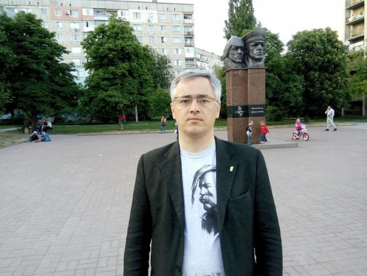 """Посадовець  облради закликав прибрати в Кропивницькому пам'ятник """"убивцям-будьонівцям"""" (ВІДЕО)"""