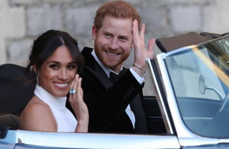 Модний вирок: Принц Гаррі та Меган Маркл вперше вийшли у світ після весілля (ФОТО)