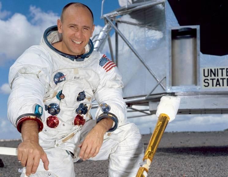 Помер американський астронавт, який побував на Місяці