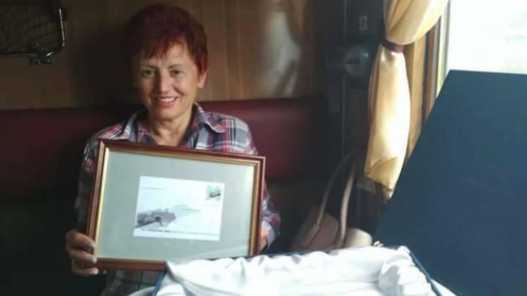 Пасажири потягу, який першим проїхав Бескидський тунель, отримали подарунки (ФОТО)
