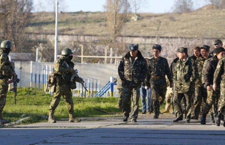 Россия создает свою армию и спецслужбы на захваченном боевиками Донбассе - ИС