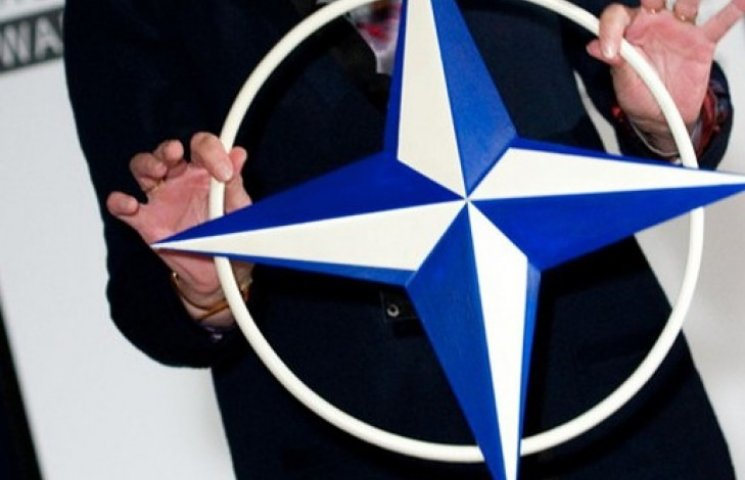Участники будущей коалиции в Раде договорились вести Украину в НАТО