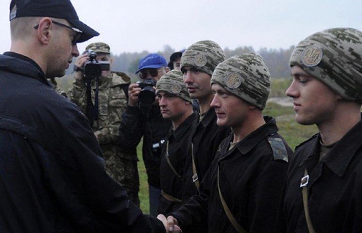 Яценюк доручив посилити бійцями Нацгвардії охорону енергетичних об