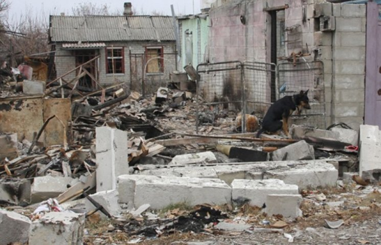 Боевики обстреляли Донецк: разрушены дома, ранены люди