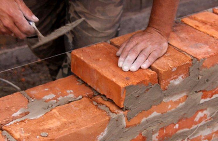 Безработным переселенцам за строительство «Стены» на границе хорошо заплатят
