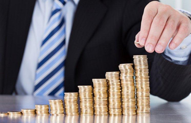 У Яценюка предвидят в следующем году 13% инфляцию