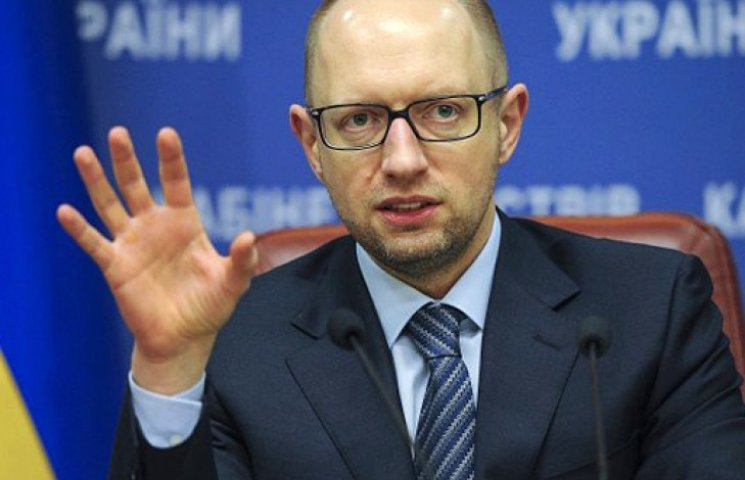 Порошенко заявил, что вносит кандидатуру Яценюка на пост премьера