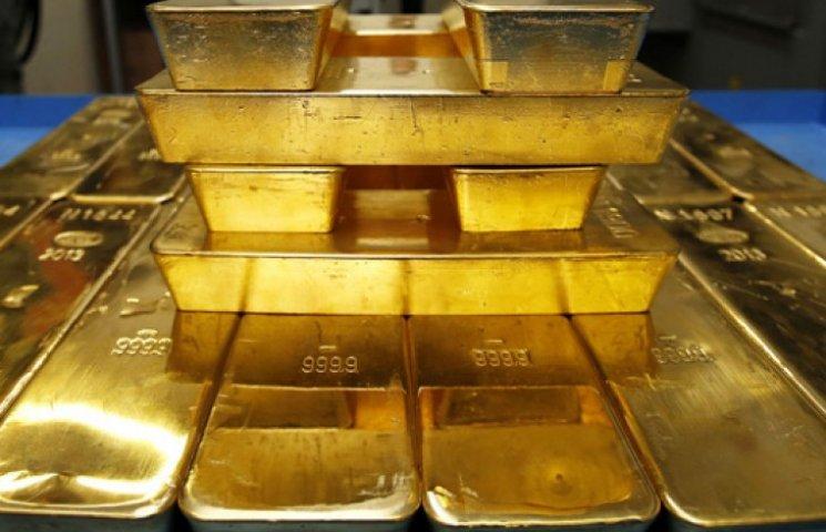 Україна в жовтні втратила третину запасів золота