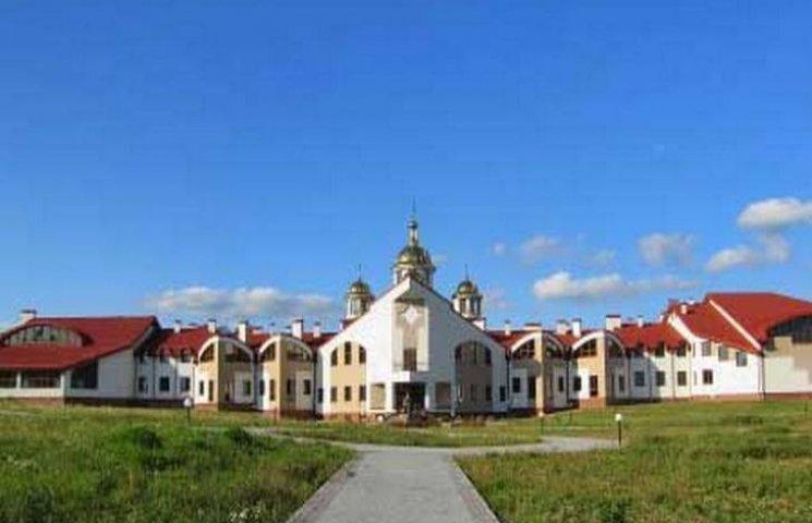 Невідома повідомила про замінування духовної семінарії у Львові
