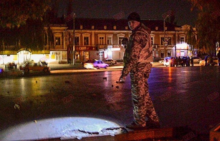 Пьяный военный устроил гонки по ночному парку Бердянска