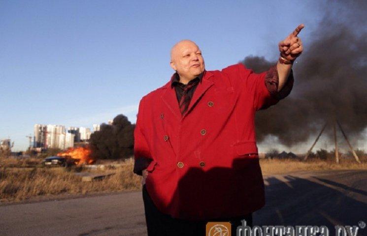 Российский певец Стас Барецкий сжег свой BMW в пику санкциям