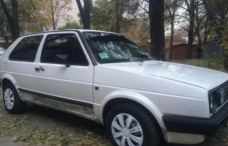 Полтавський журналіст похизувався новим авто