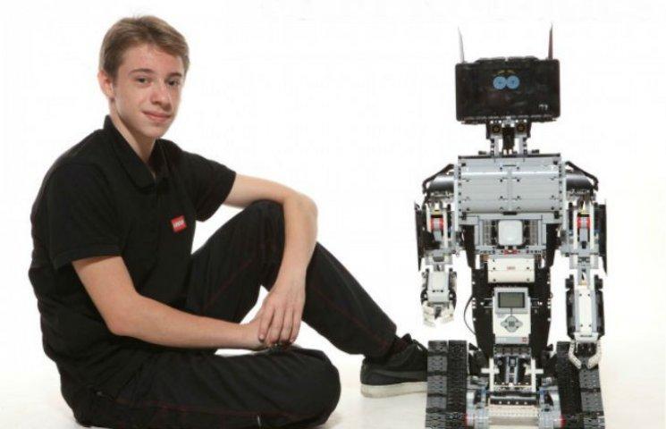 Український школяр створив серію роботів