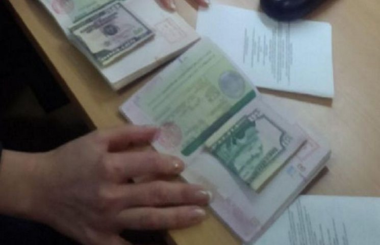 Китайці хотіли підкупити прикордонників в аеропорту Одеси