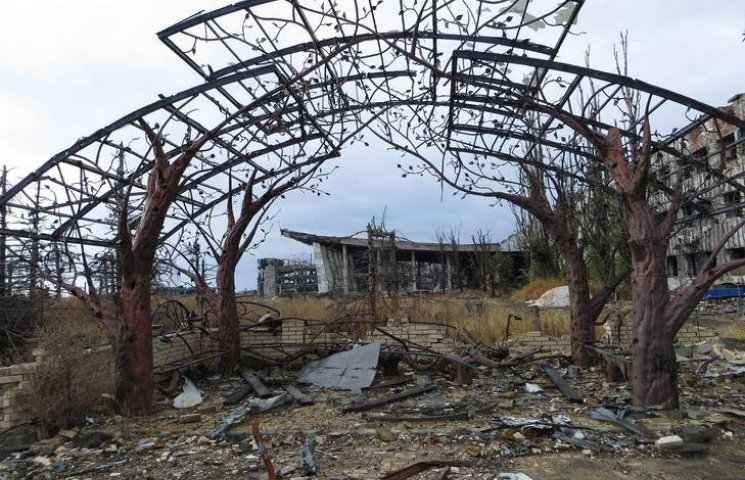 В аеропорту Донецька знайшли єдиний вцілілий об