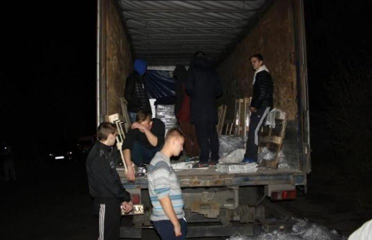 В Кременчуці затримана вантажівка привезла лише законну агітацію