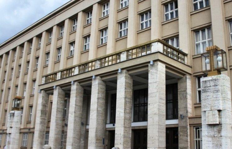 ОВК зареєструвала ще не всіх депутатів Закарпатської облради